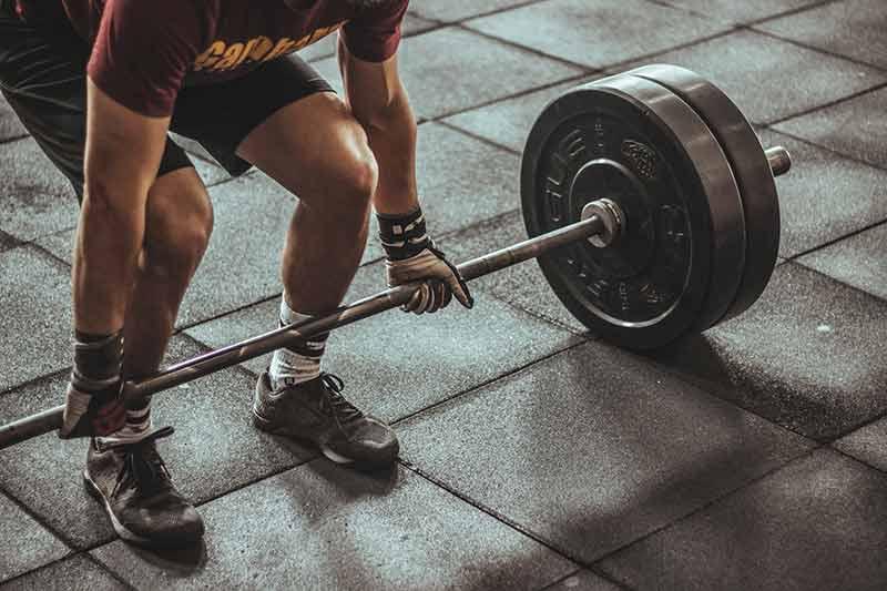 ejercicios-para-quemar-calorias-pesas