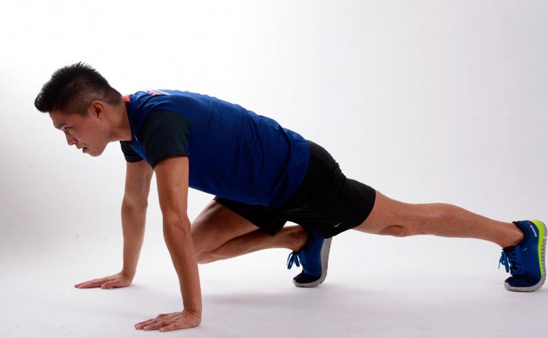 ejercicios-abdominales-para-hombres-en-casa-plancha