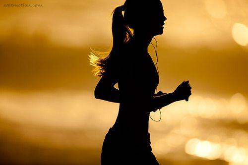 chica running mar