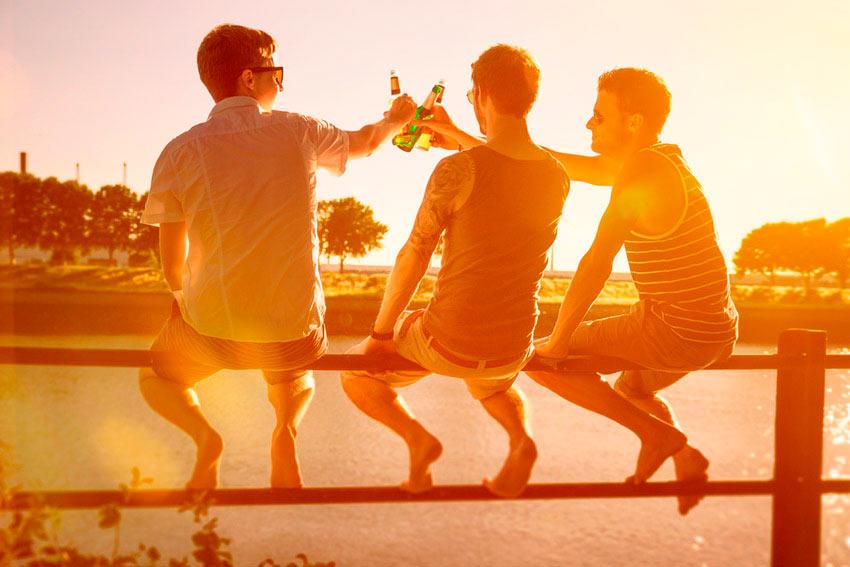 amigos-verano-cerveza