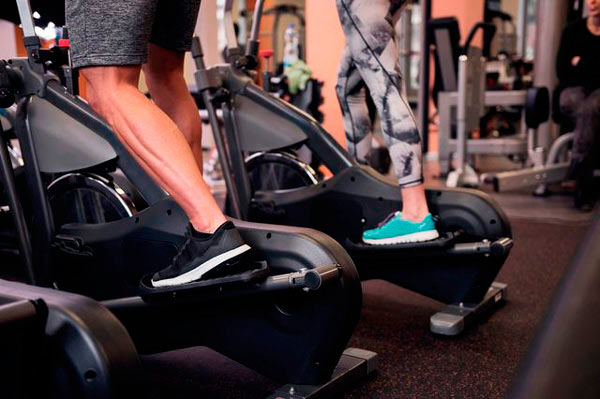 beneficios-bicicleta-eliptica-gym