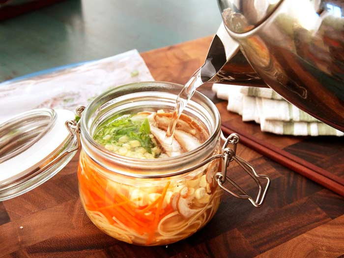 Mason jar receta sopa asiática