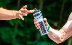 entrenamiento-triatlon-mantenerse-hidratado