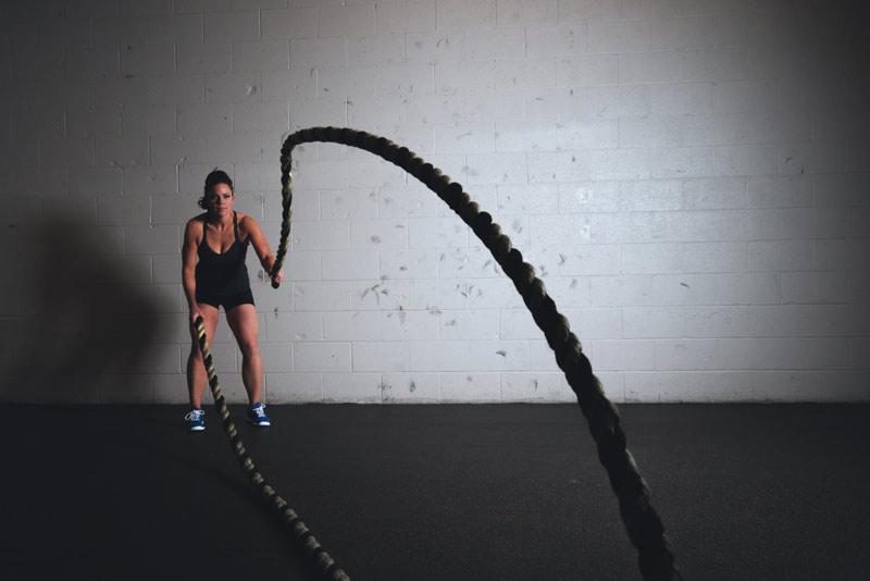 mejores-ejercicios-para-hombros-rope