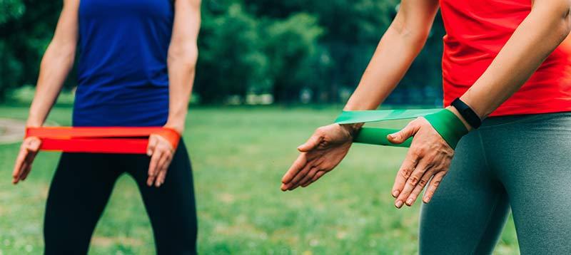 ejercicio-gomas-elasticas-brazos